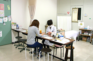 Healthcare center, medical treatment room