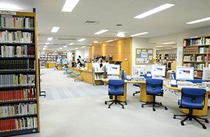 文化学園図書館